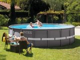 Intex Ultra Frame Pool Ø488 x 122 cm Incl. Zandfilter Pomp sfeerfoto